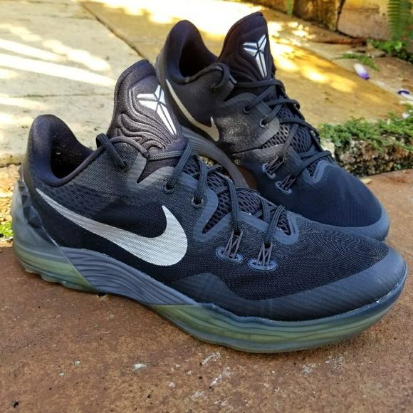 cd34218fcee8 Nike Zoom Kobe Venomenon 5 Black Metallic Silver. M 5a9aee092ae12ffc716d87ac
